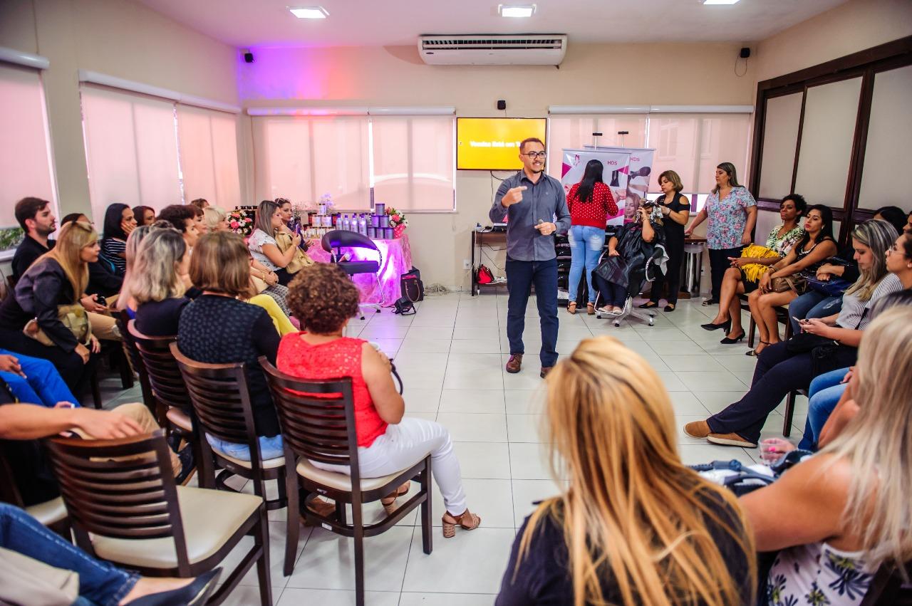 Itaguaí Recebe Treinamento de Vendas pela Internet