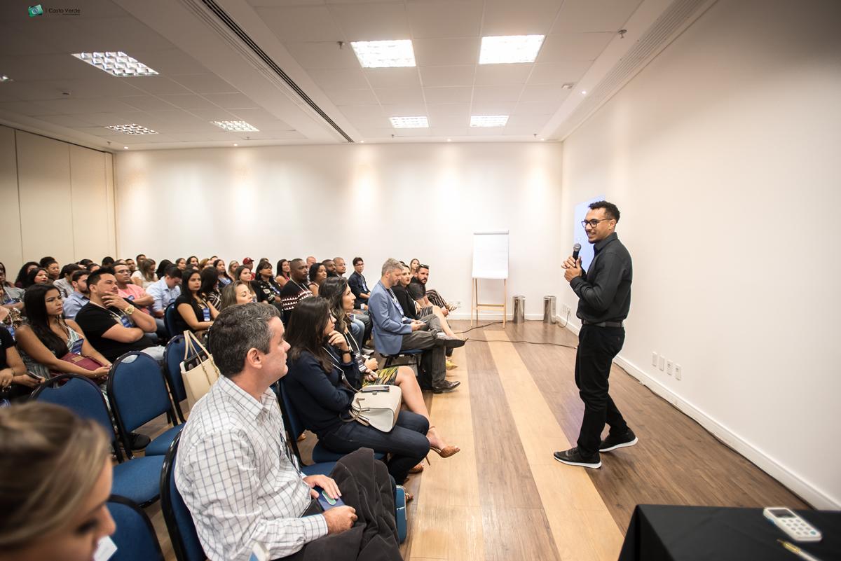 Especialista em Marketing Digital faz palestra em Itaguaí